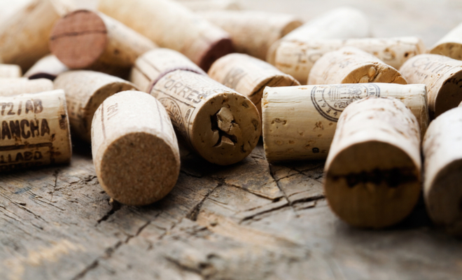 featuresize-featureinage-wine cork hacks