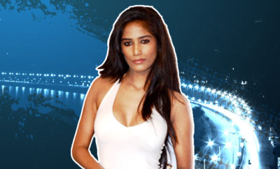 FI Poonam Pandey Goes For A Drive During Lockdown