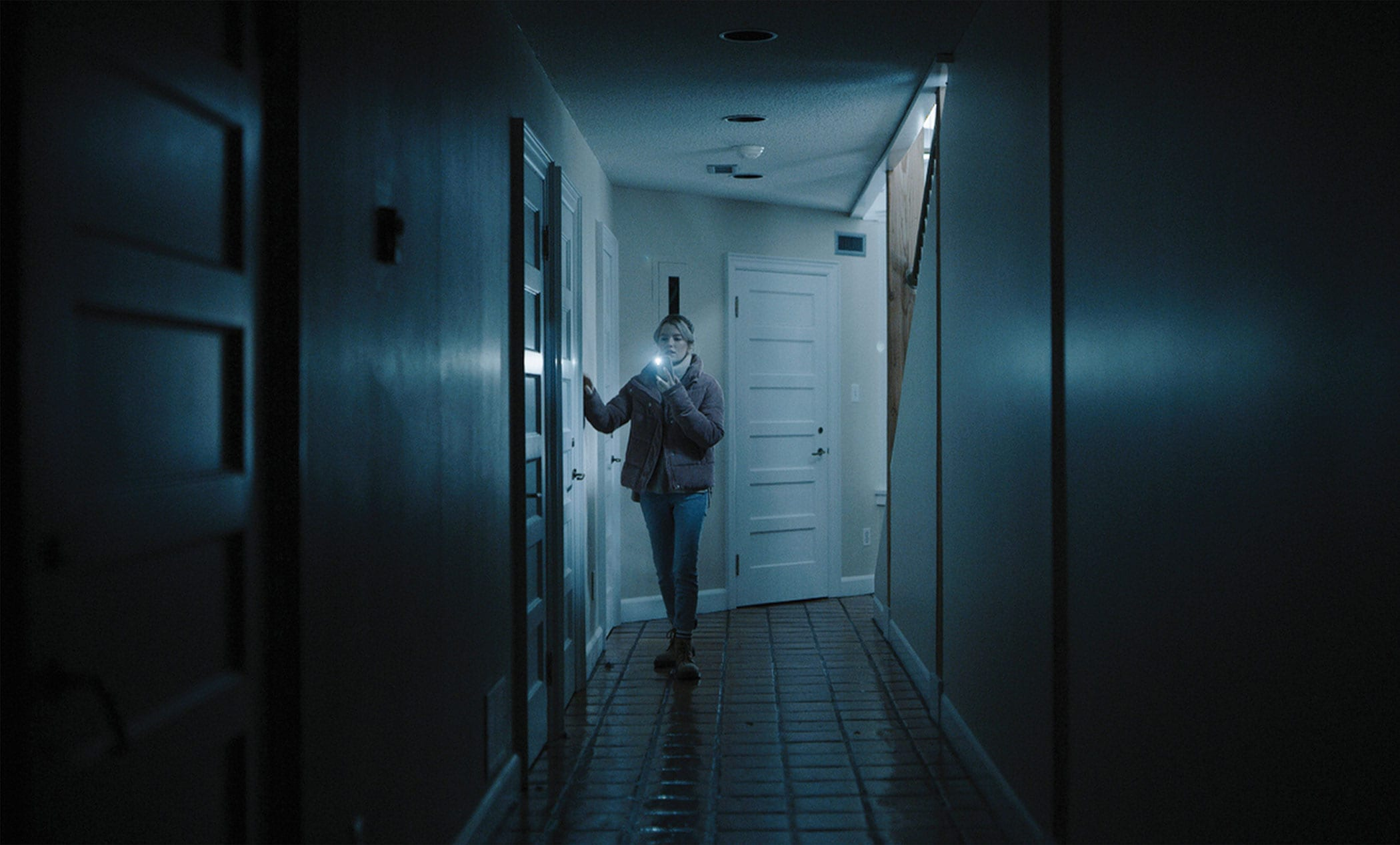 Tribeca 'See For Me' Review: A Predictable Home Invasion Thriller That Works Thanks To Its Cast, Concept And Technology!