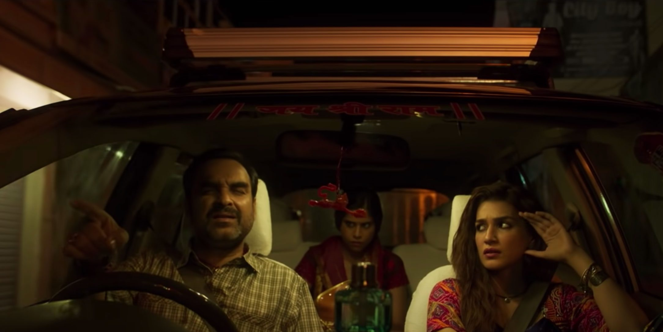 'Mimi' Review: Kriti Sanon Shines, Pankaj Tripathi Charms In A Moving But One-Dimensional Surrogacy Drama That