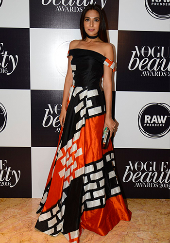 Monica Dogra_Hauterfly