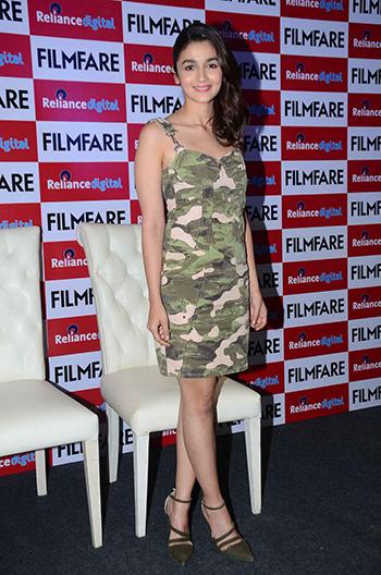 Alia Bhatt 2 Celebrity Style_Hauterfly