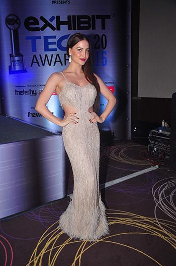 Ellie Avram Celebrity Style_Hauterfly
