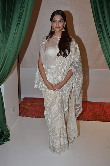 Sonam Kapoor Celebrity Style_Hauterfly