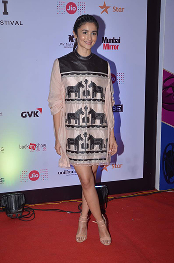 Alia Bhatt Week In Style Nov 7_Hauterfly