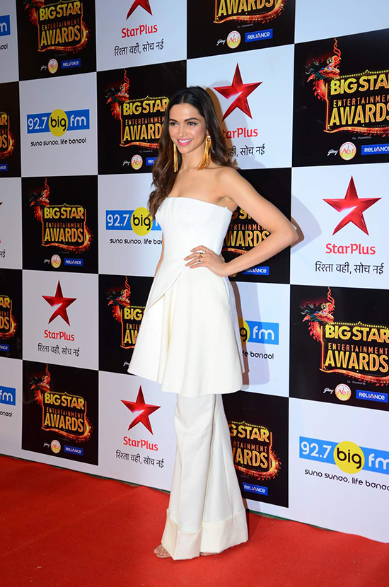 Deepika Padukone at Big Star Awards2015_Hauterfly