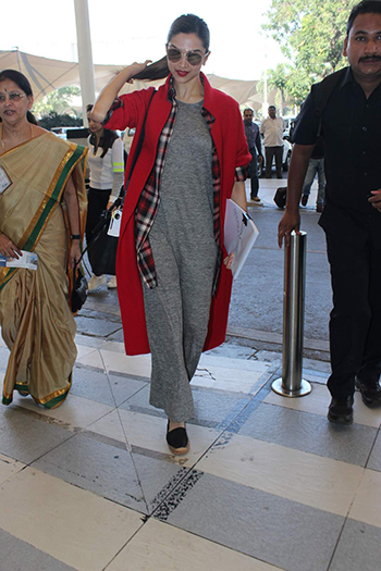 Deepika Padukone_Week In Style Dec 26_Hauterfly