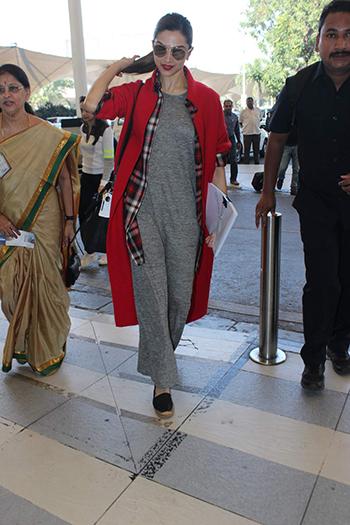 Deepika Padukone_Week In Style Dec 26_Hauterfly