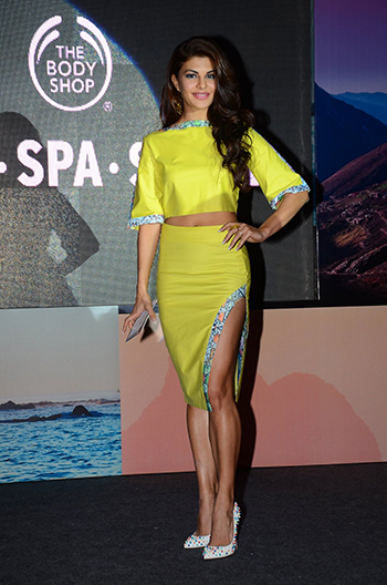 Jacqueline Fernandez Week In STyle Dec 12_Hauterfly