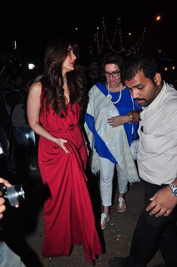 Kareena Kapoor Khan 2_Week In Style Dec 26_Hauterfly