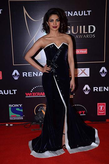 Priyanka Chopra 2_Week In Style Dec 26_Hauterfly