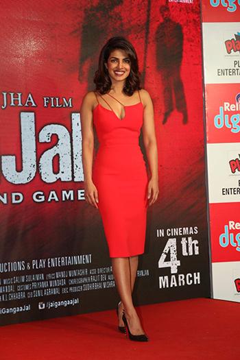 Priyanka Chopra_Week In STyle Dec 26_Hauterfly