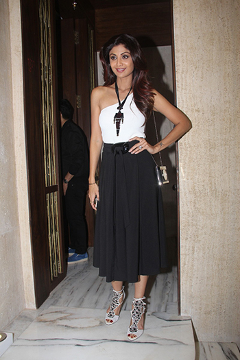 Shilpa Shetty 2 Week In STyle Dec 12_Hauterfly