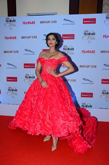 Sonam Kapoor WIS Dec 4_Hauterfly
