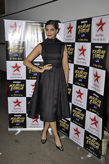 Sonam Kapoor Week In STyle Dec 12_Hauterfly