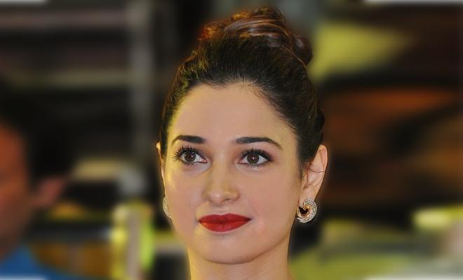 Tamannah_Red_Lips_Beauty_Hauterfly