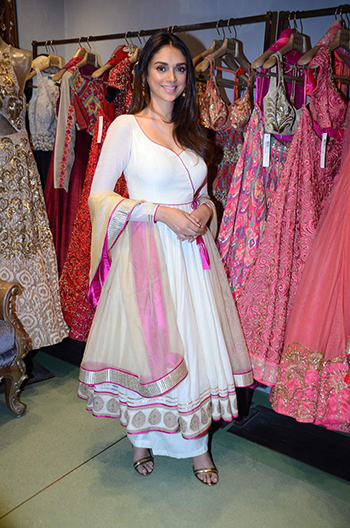 Aditi Rao Hydari 3_Week In Style_Jan 9 Hauterfly