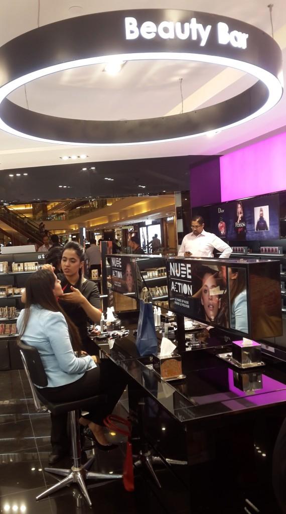 Makeup bar