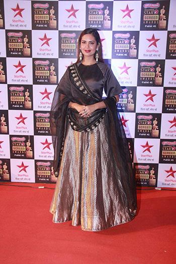 Esha_Gupta_Star_Screen_Awards_Hauterfly