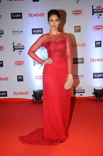 Ileana DCruz Britannia Filmfare Awards 2016_Hauterfly