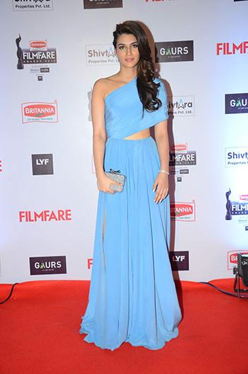 Kriti Sanon Britannia Filmfare Awards 2016_Hauterfly