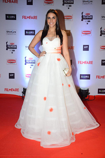Neha Dhupia Britannia Filmfare Awards 2016_Hauterfly
