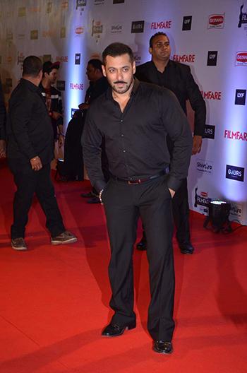 Salman Khan Britannia Filmfare Awards_Hauterfly
