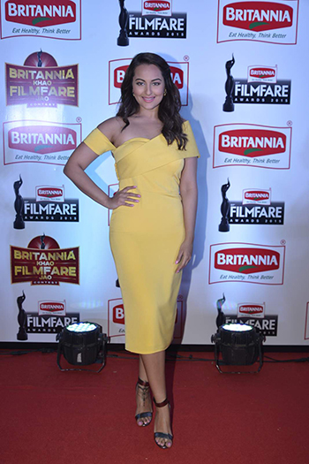 Sonakshi Sinha_Week In Style_Jan 9 Hauterfly