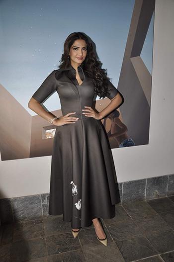 Sonam Kapoor 1_WIS Jan 22_Hauterfly