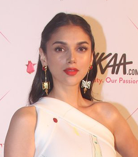 Aditi Rao Hydari Nykaa Femina Beauty Awards 2016_Hauterfly