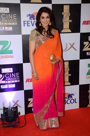 Isha_Kopikar_Zee_Cine_Awards_Hauterfly
