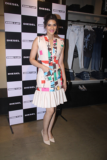 Kriti Sanon looked cute in an Tanieya Khanuja dress