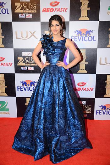 Kriti_Sanon_Zee_Cine_Awards_Hauterfly