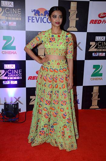 Radhika_Apte_Zee_Cine_Awards_Hauterfly