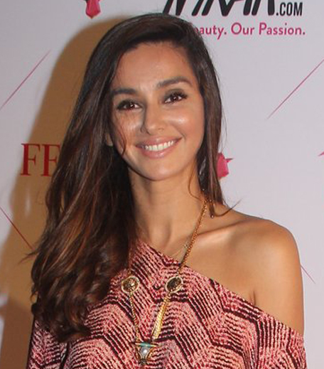 Shibani Dandekar Nykaa Femina Beauty Awards 2016_Hauterfly