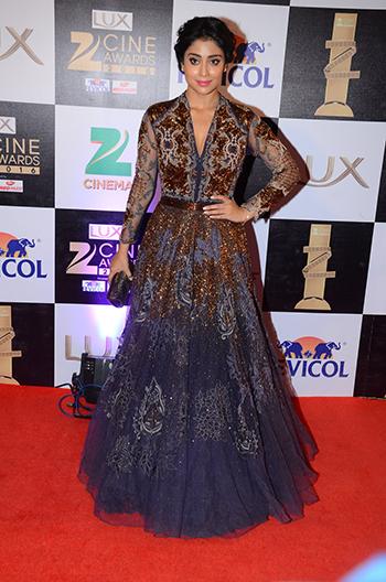 Shriya_Saran_Zee_Cine_Awards_Hauterfly