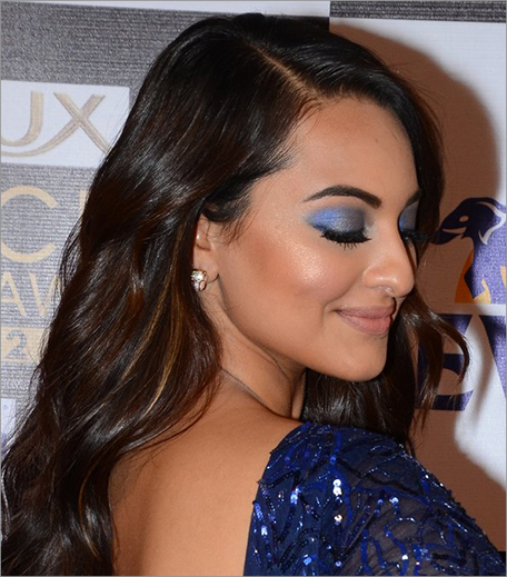 Sonakshi Sinha Blue Eye Makeup_Hauterfly