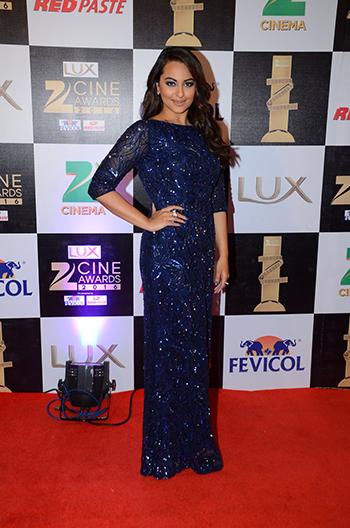 Sonakshi_Sinha_Zee_Cine_Awards_Hauterfly