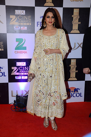 Sonali_Bendre_Zee_Cine_Awards_Hauterfly