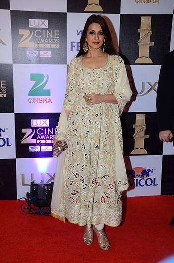 Sonali_Bendre_Zee_Cine_Awards_Hauterfly