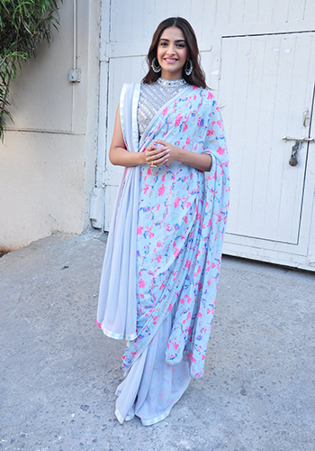 Sonam Kapoor 2_Celebrity Style Feb 27_Hauterfly