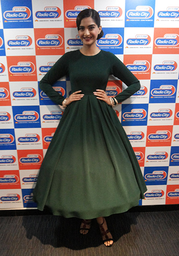 Sonam Kapoor 3_Celebrity Style Feb 27_Hauterfly