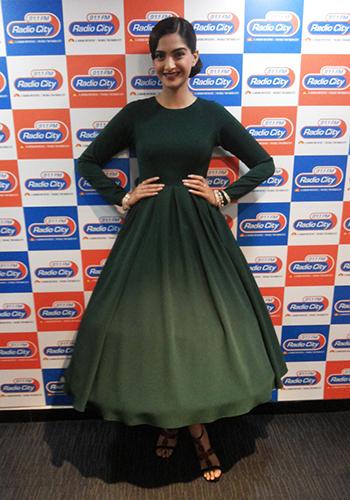 Sonam Kapoor 3_Celebrity Style Feb 27_Hauterfly