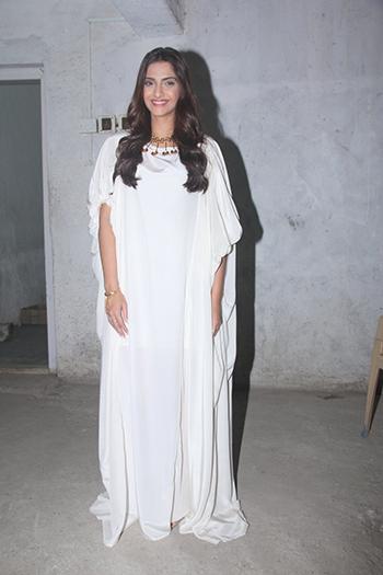 Sonam Kapoor 3_WIS Feb 20_Hauterfly