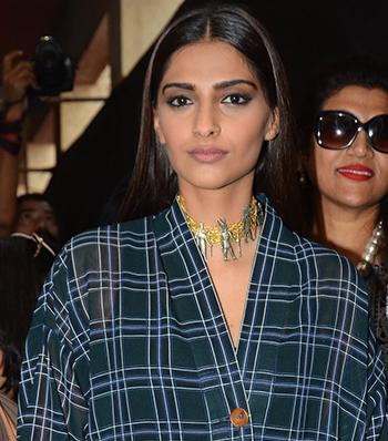 Sonam Kapoor Jewellery New 5_Hauterfly