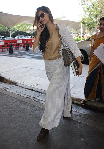 Sonam Kapoor_Celebrity Style Feb 27_Hauterfly