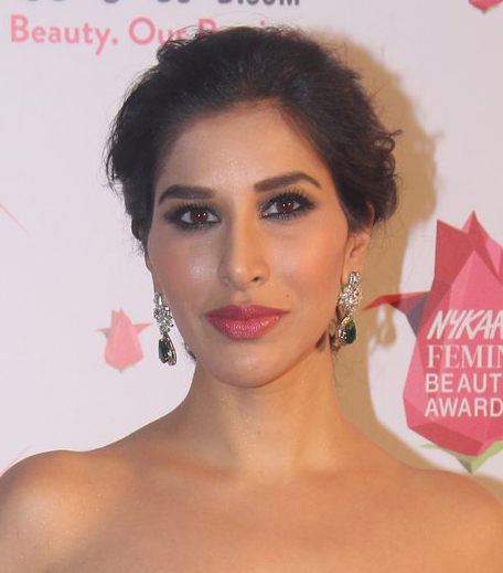 Sophie Choudhry Nykaa Femina Beauty Awards 2016_Hauterfly