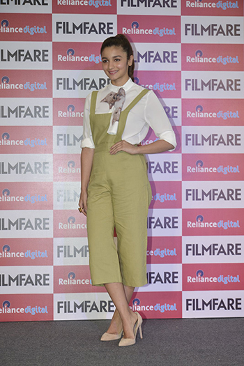 Alia Bhatt 1_Week In Style March 12_Hauterfly