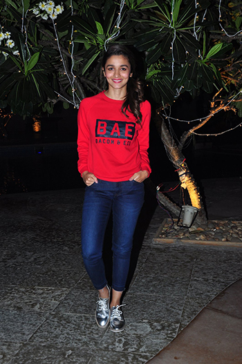 Alia Bhatt 5_Week In Style March 12_Hauterfly