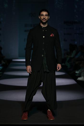 Divyam Mehta _Amazon India Fashion Week Autumn Winter 2016_Hauterfly